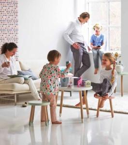 Die Stühle und der Tisch von Flexa Play | moebel-insider.de